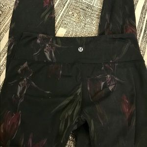 Lululemon leggings!